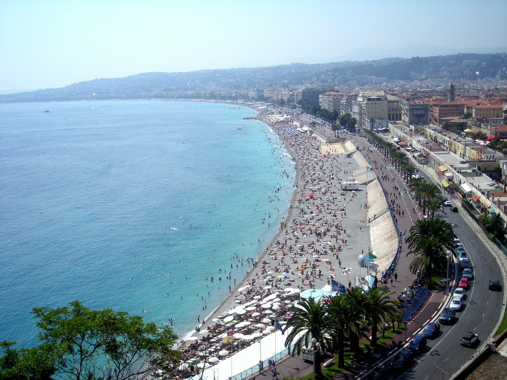 End your 48 hours in Nice with some well-earned time at the beach | © Dinal Chheda/flickr