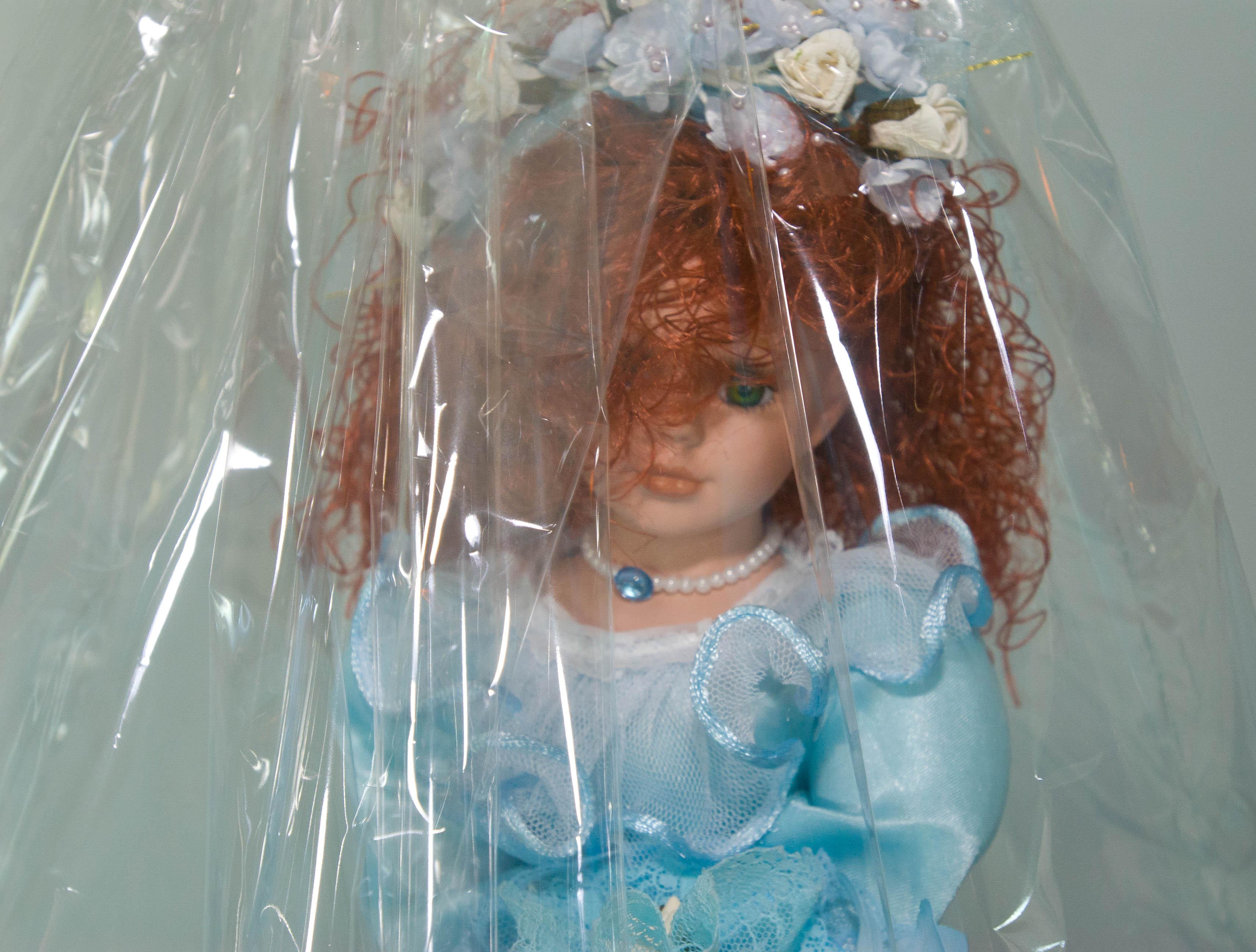 Quinceañera doll   © Maurice Thaler/Flickr