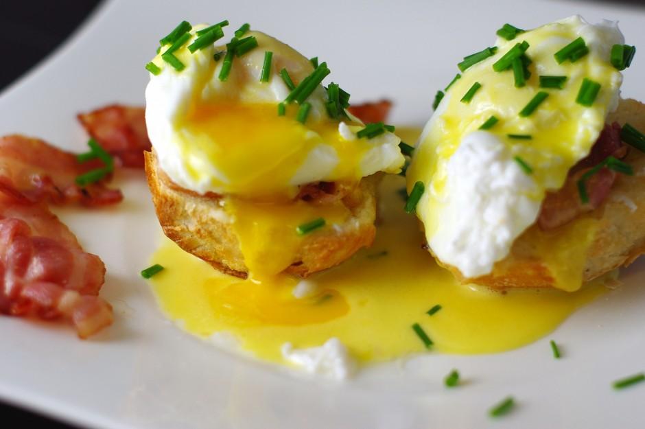 A close up of eggs benedict