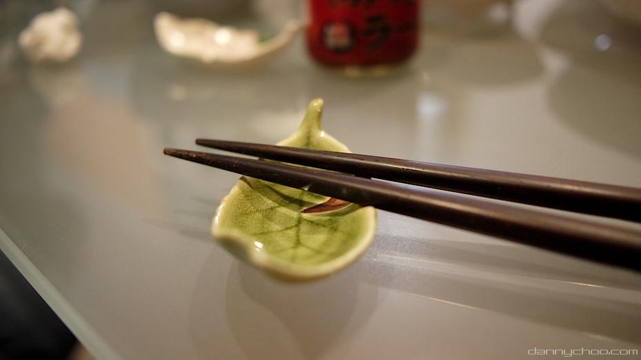 Ceramic chopstick rest | © Danny Choo / Flickr