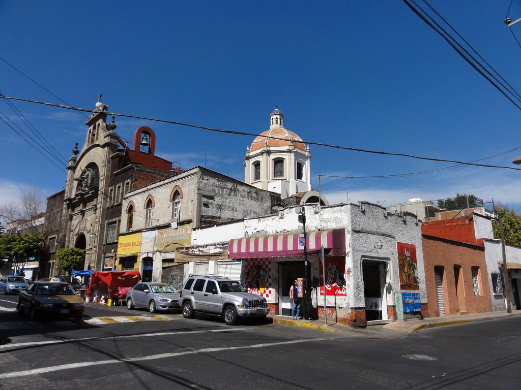 Street corner, San Miguel Chapultepec | © vladimix/Flickr