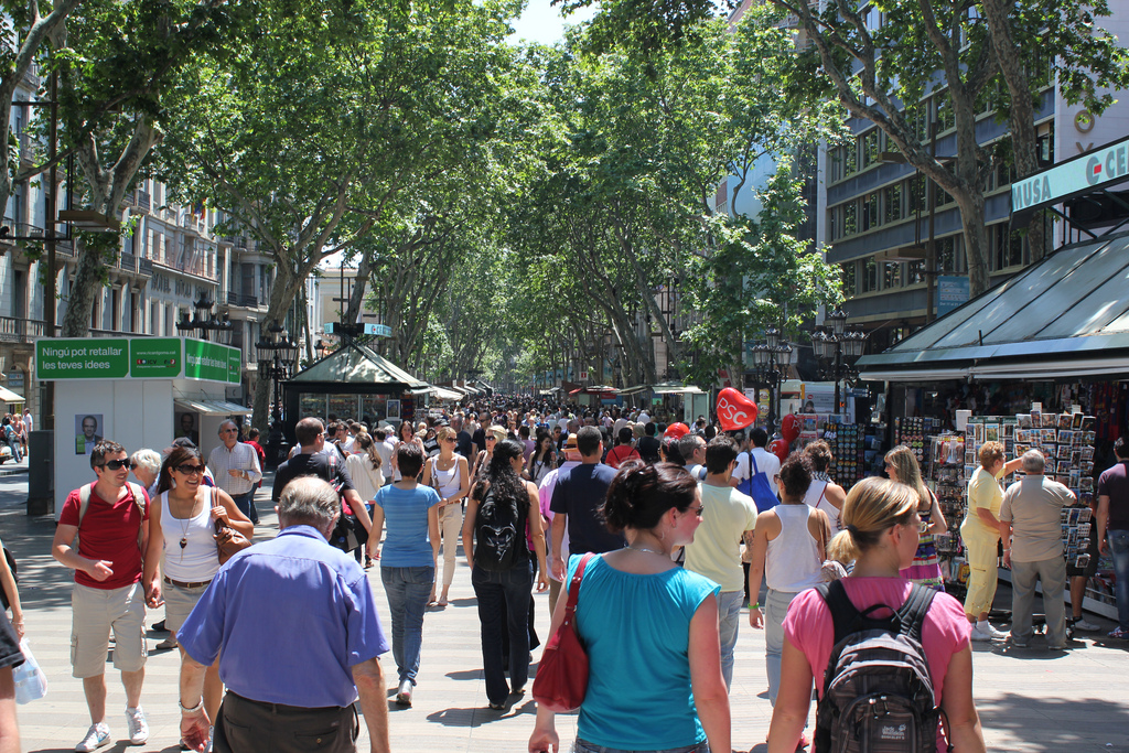 Tourists on Barcelona's La Rambla | © Mathieu Marquer