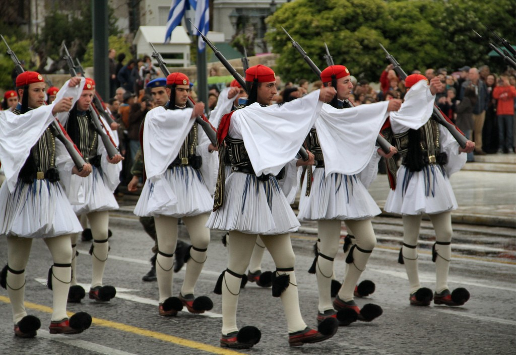 Evzones in Athens   © dynamosquito/Flickr