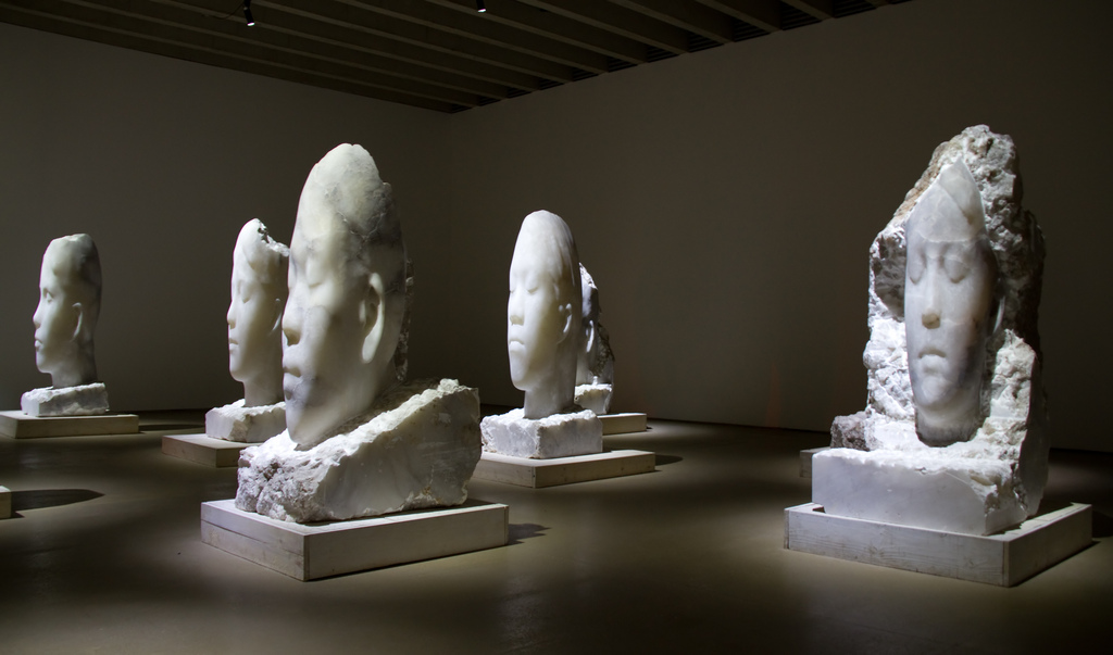 Jaume Plensa alabaster heads | © Tony Hisgett