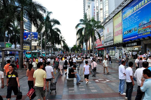 Huaqiang North Street, Shenzhen (c) Azwari Nugraha / Flickr