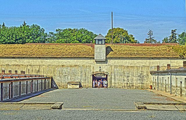 Prison block at Terezin | ©Guido Radig / Wikimedia Commons