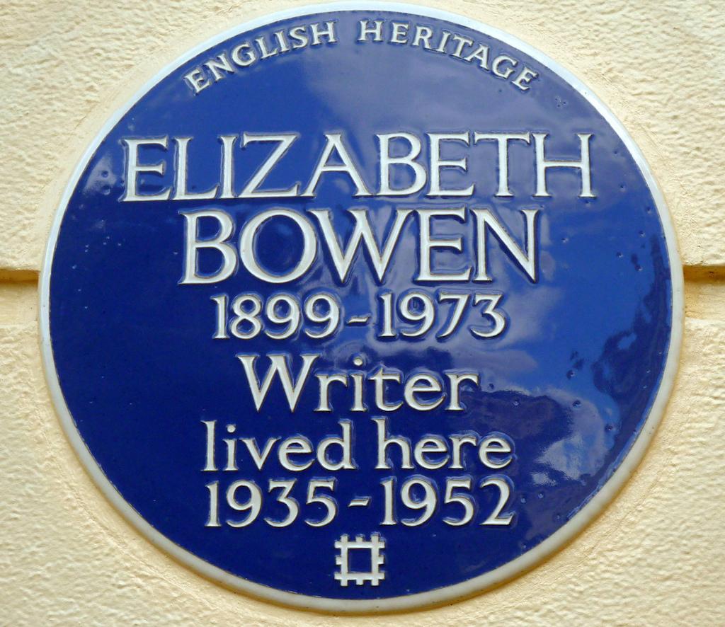 Elizabeth Bowen commemorative plaque | © Simon Harriyott/Flickr