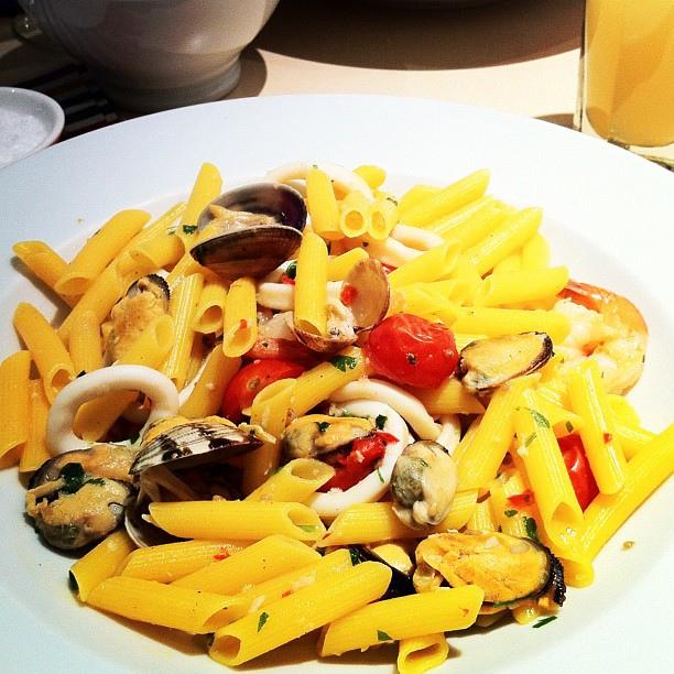 Carluccio's gluten-free seafood salad