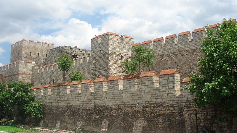 Start your exploration of Istanbul's original walls at the Yedikule Fortress | © Bigdaddy1204/Wikimedia