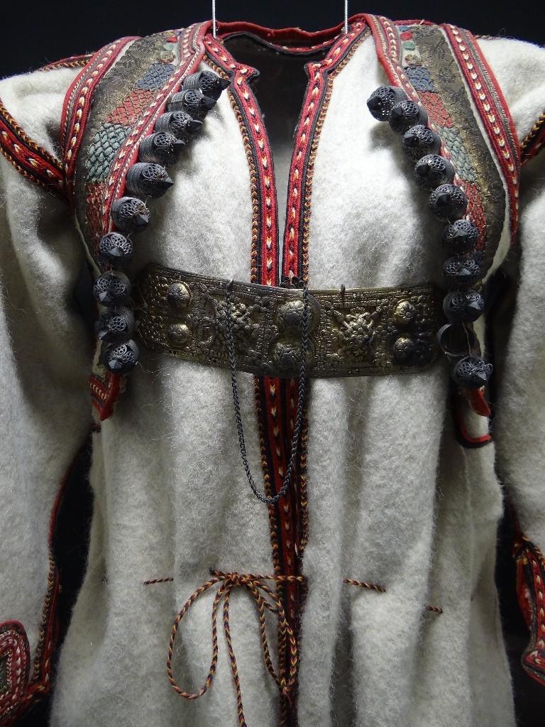 Traditional costume in Ethnographic museum | © Adam Jones / Flickr