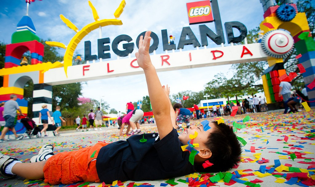 How Orlando Became the Theme Park Capital of The World