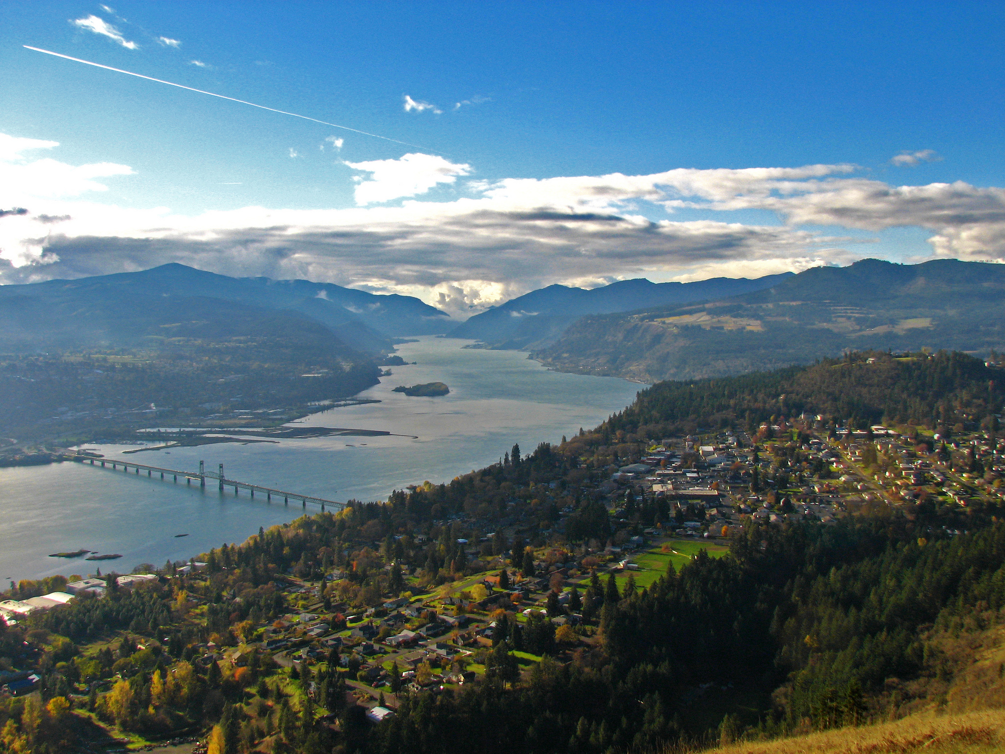 The Columbia River Gorge, Home   © Paul Kline/Flickr
