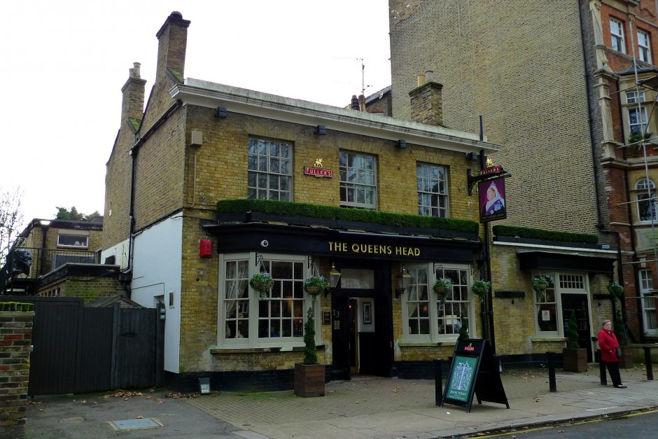 The exterior of the Queen's Head