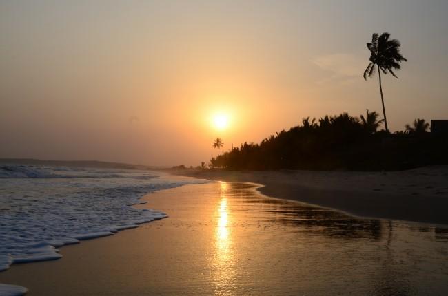 Sunset at Labadi Beach | © René Mayorga / Flickr