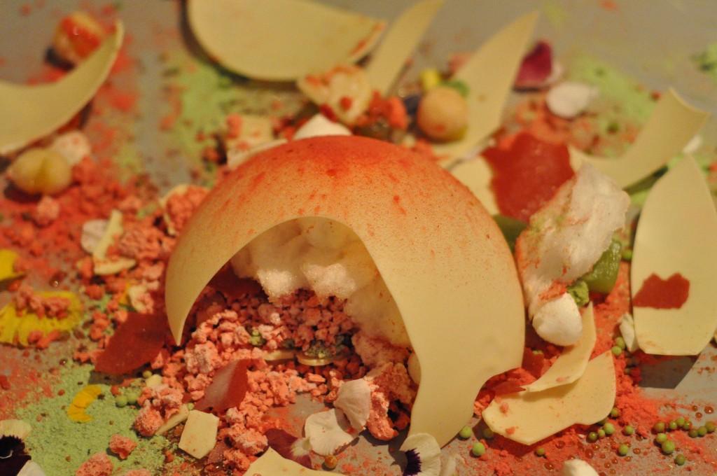 A dish served at Alinea | © Kimberly Vardeman / Flickr
