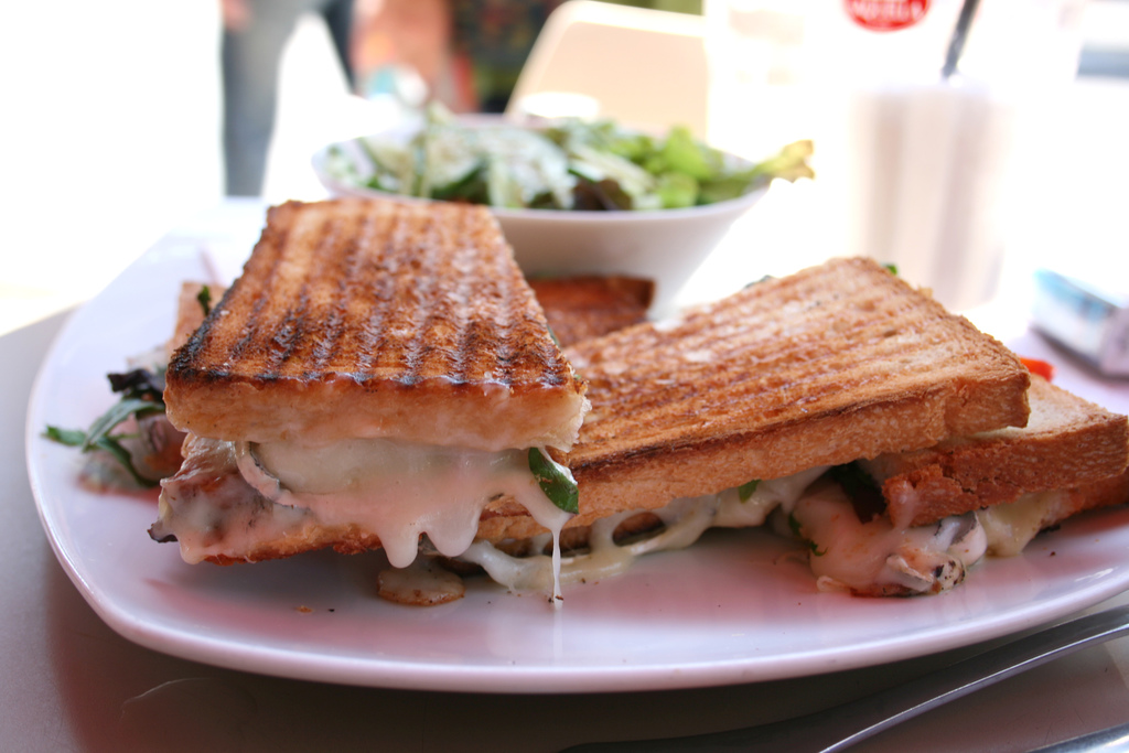 Toasted sandwich | © shira gal/Flickr