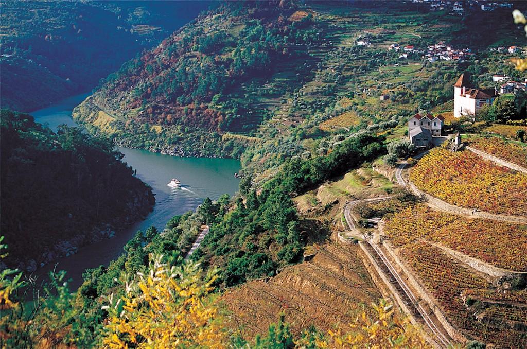 Douro Valley   © Porto Convention & Visitors Bureau/Flickr