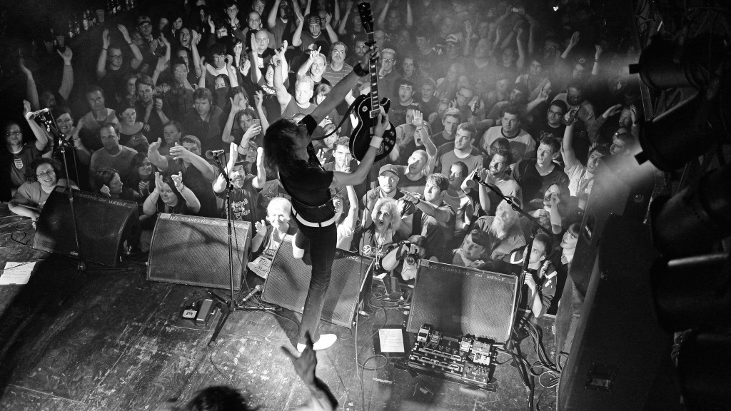 The Darkness at Chameleon Club | © Flickr/Ted Van Pelt