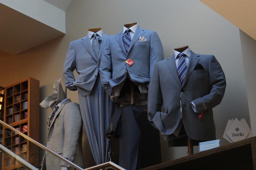 Mens suits display | © Robert Sheie / Flickr