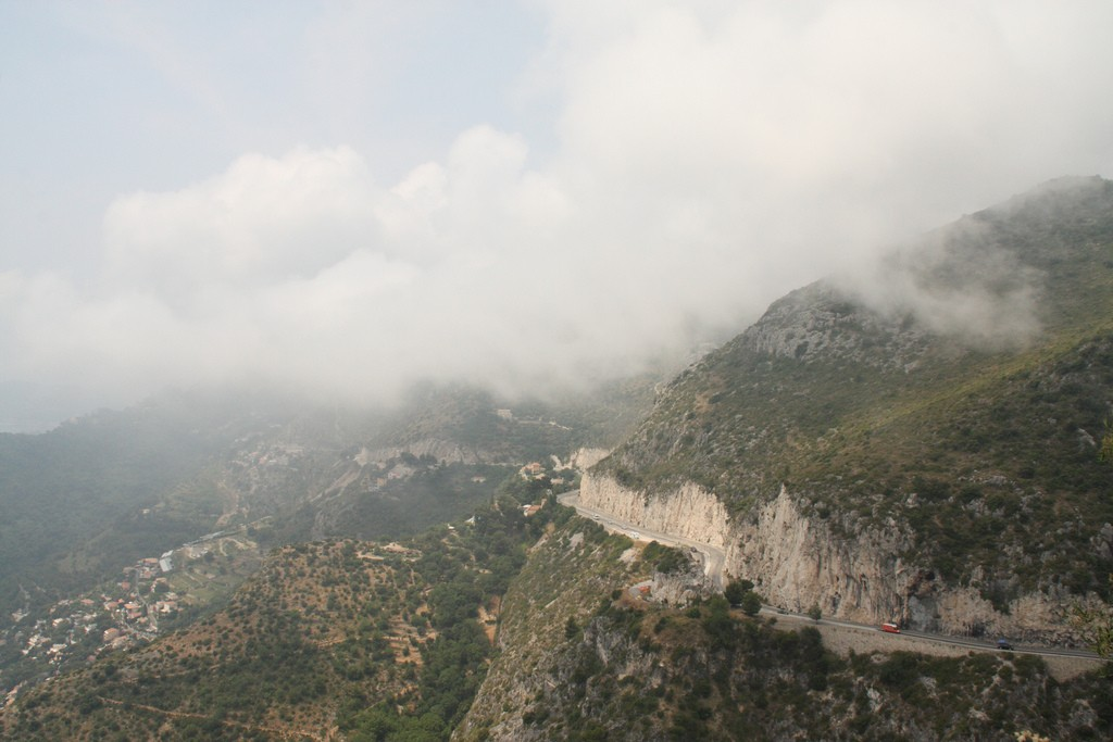 The Moyenne Corniche from the direction of Èze | © adamW/flickr
