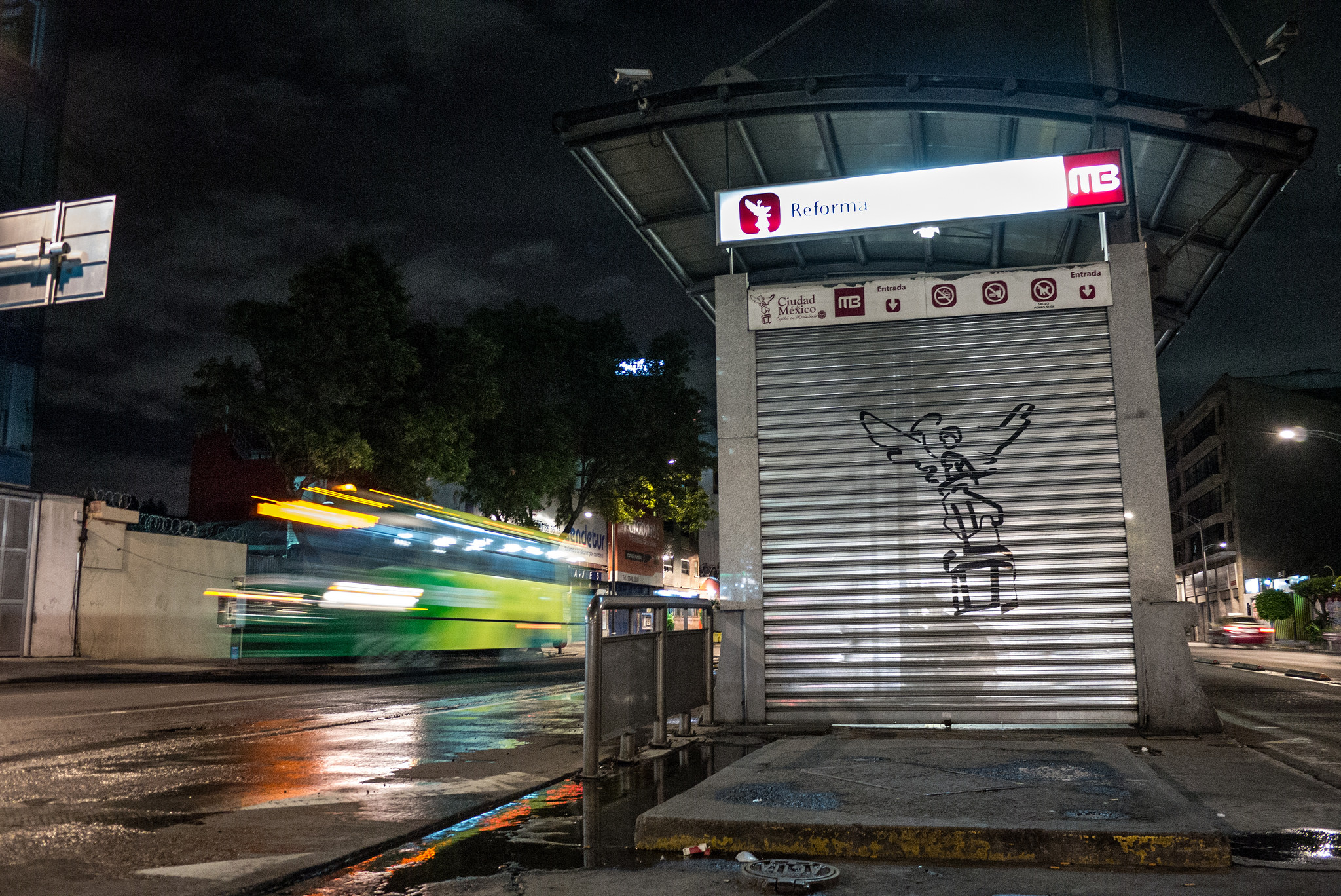 Avenida Reforma at night | © Eneas de Troya/Flickr