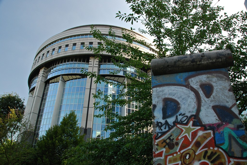 A piece of the Berlin Wall | © Stephane Mignon / Flickr