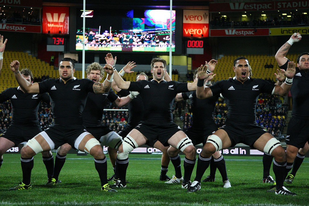 The All Blacks perform the haka before at Westpac Stadium, Wellington, NZ. | © Natural-Heart/flickr.com