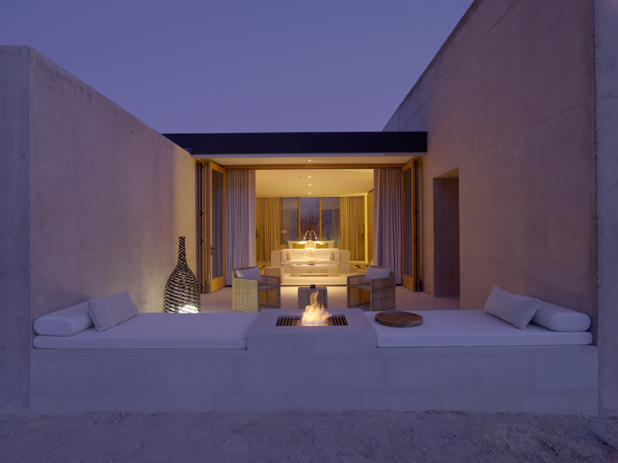 Amangiri jaala Suite Desert Lounge 1 | Courtesy of Aman