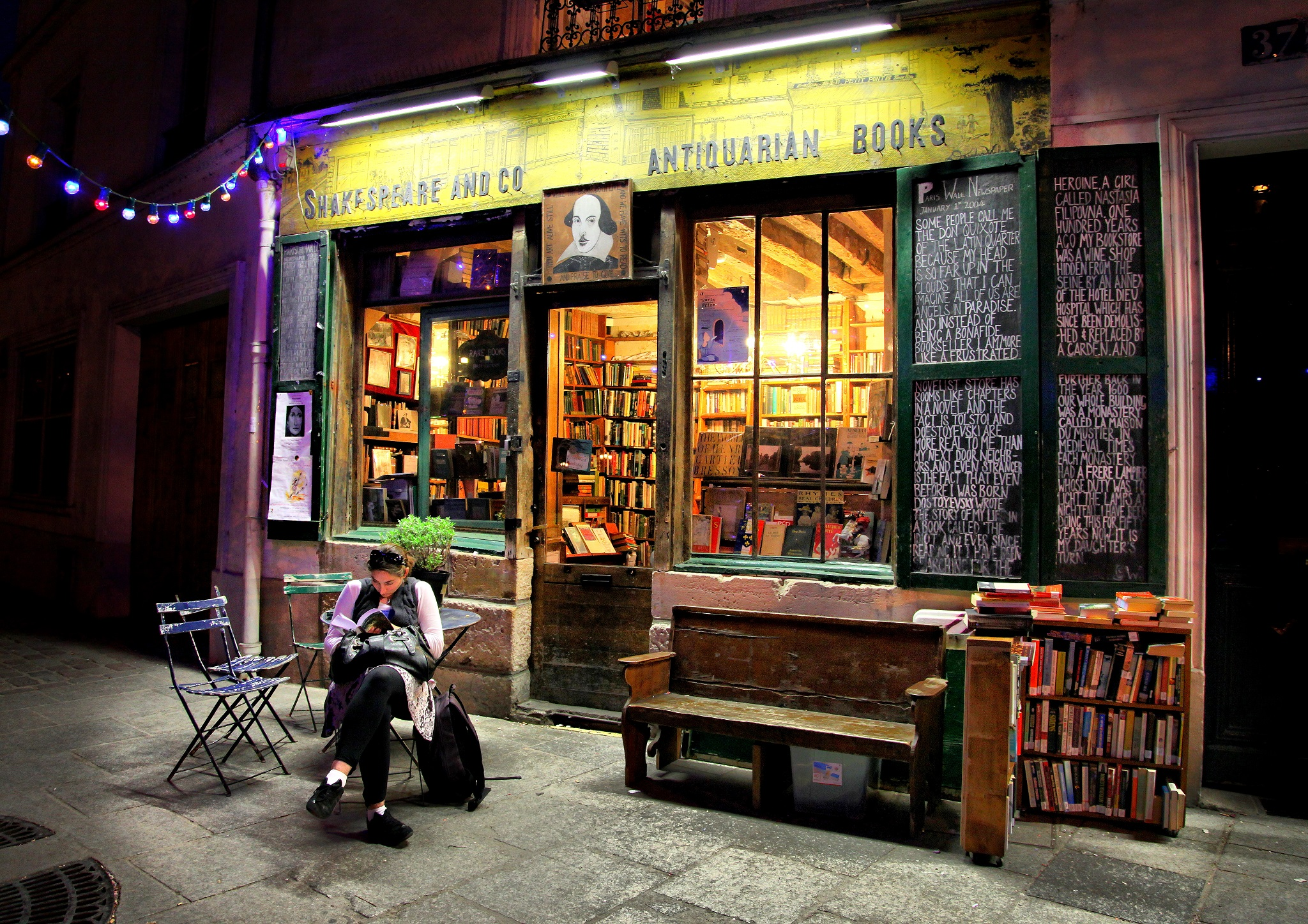 20 Pictures That Prove Paris Is A Book Lovers Paradise