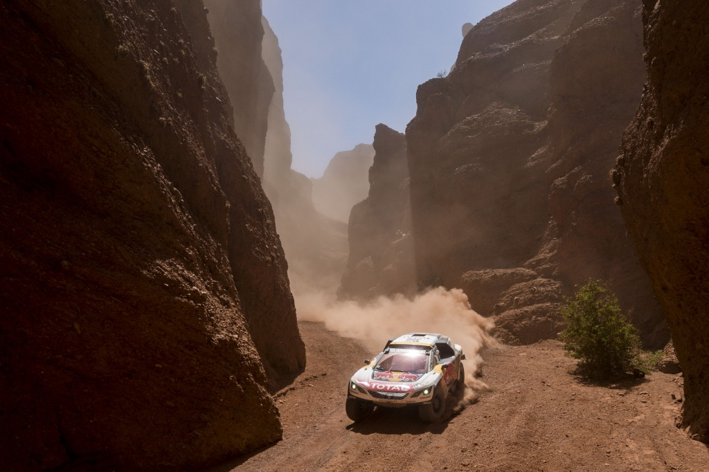 Stephane Peterhansel of Team Peugeot Total races during stage 3 from Tucuman to Jujuy, Argentina | © Red Bull Content Pool