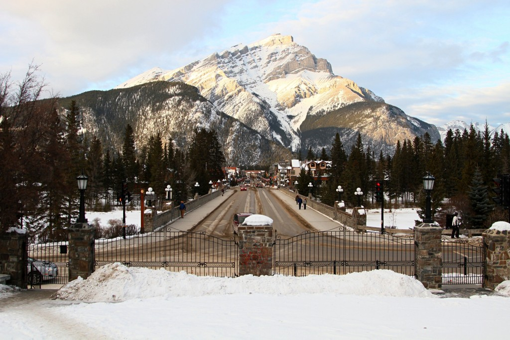 Banff's Main Street | © Grant C / Flickr