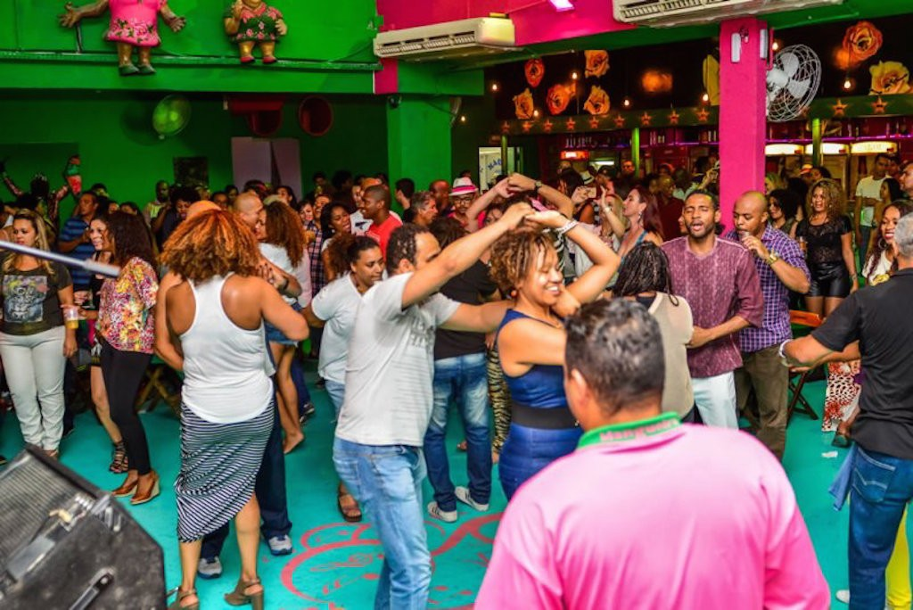 Dancing at Bar Mangueira © Mangueira Bar
