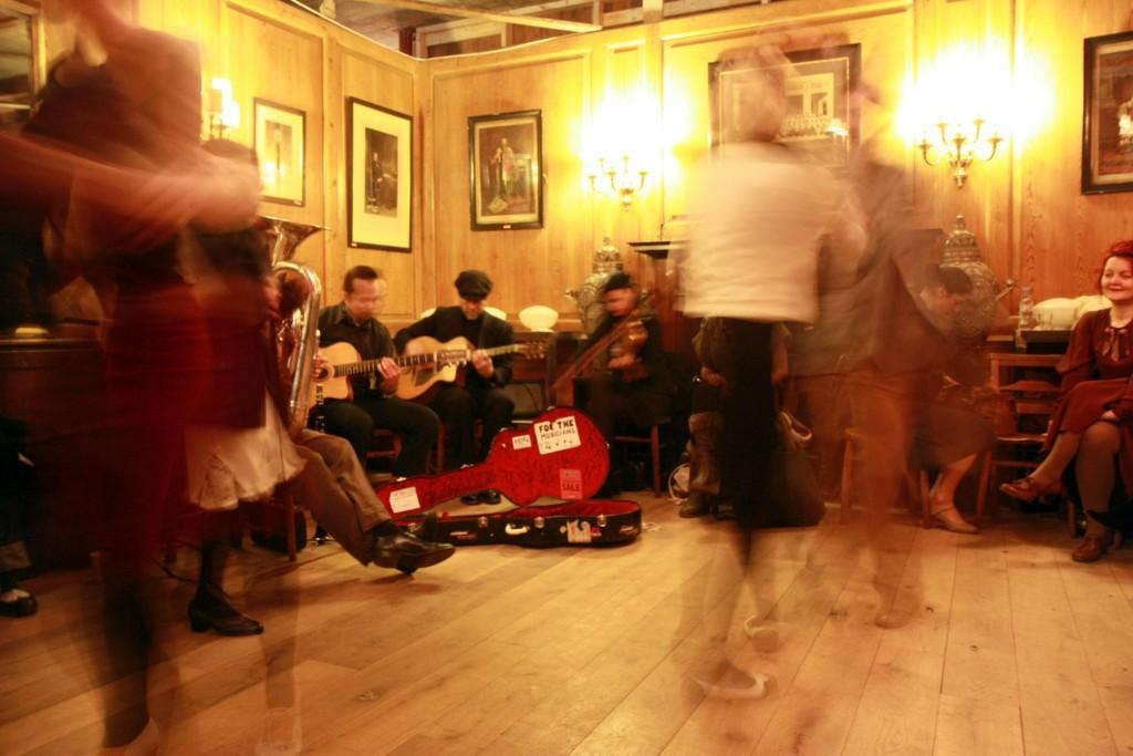Argentina Tango Salon | © Barney Moss/Flickr