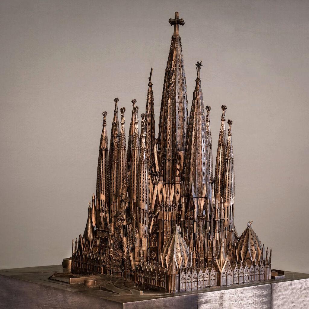 Gaudi © Instituto Tomie Ohtake