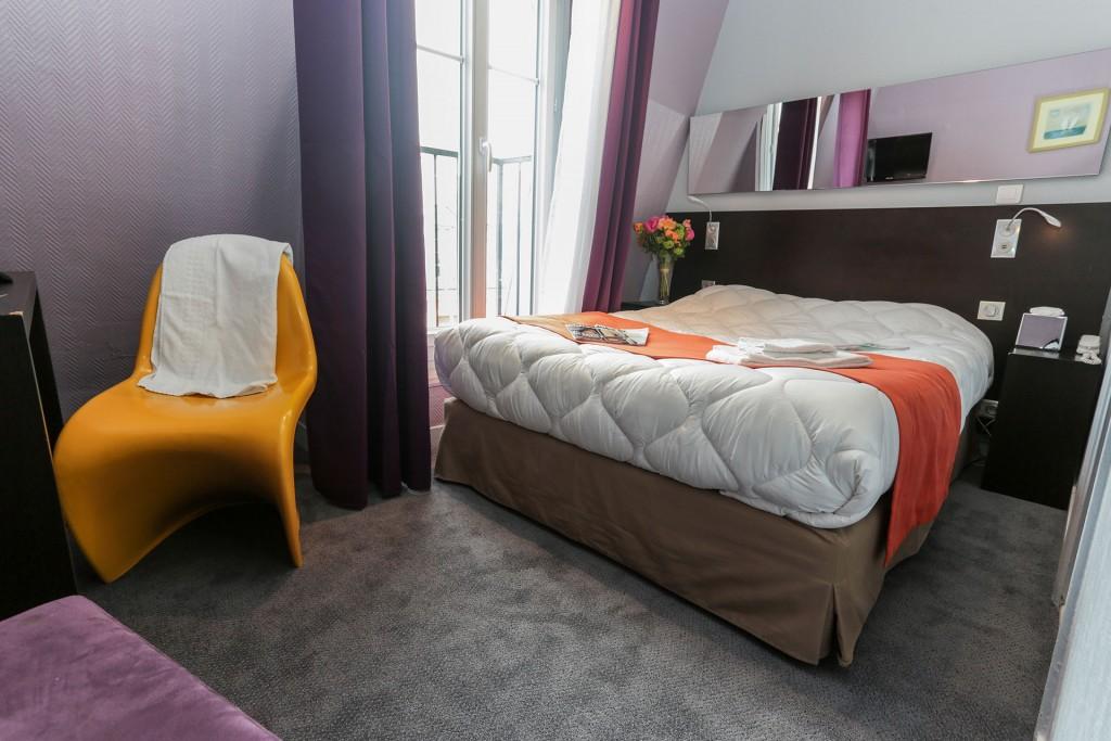 Bedroom at Le Vintage Hostel Gare du Nord │ Courtesy of Le Vintage Hostel Gare du Nord