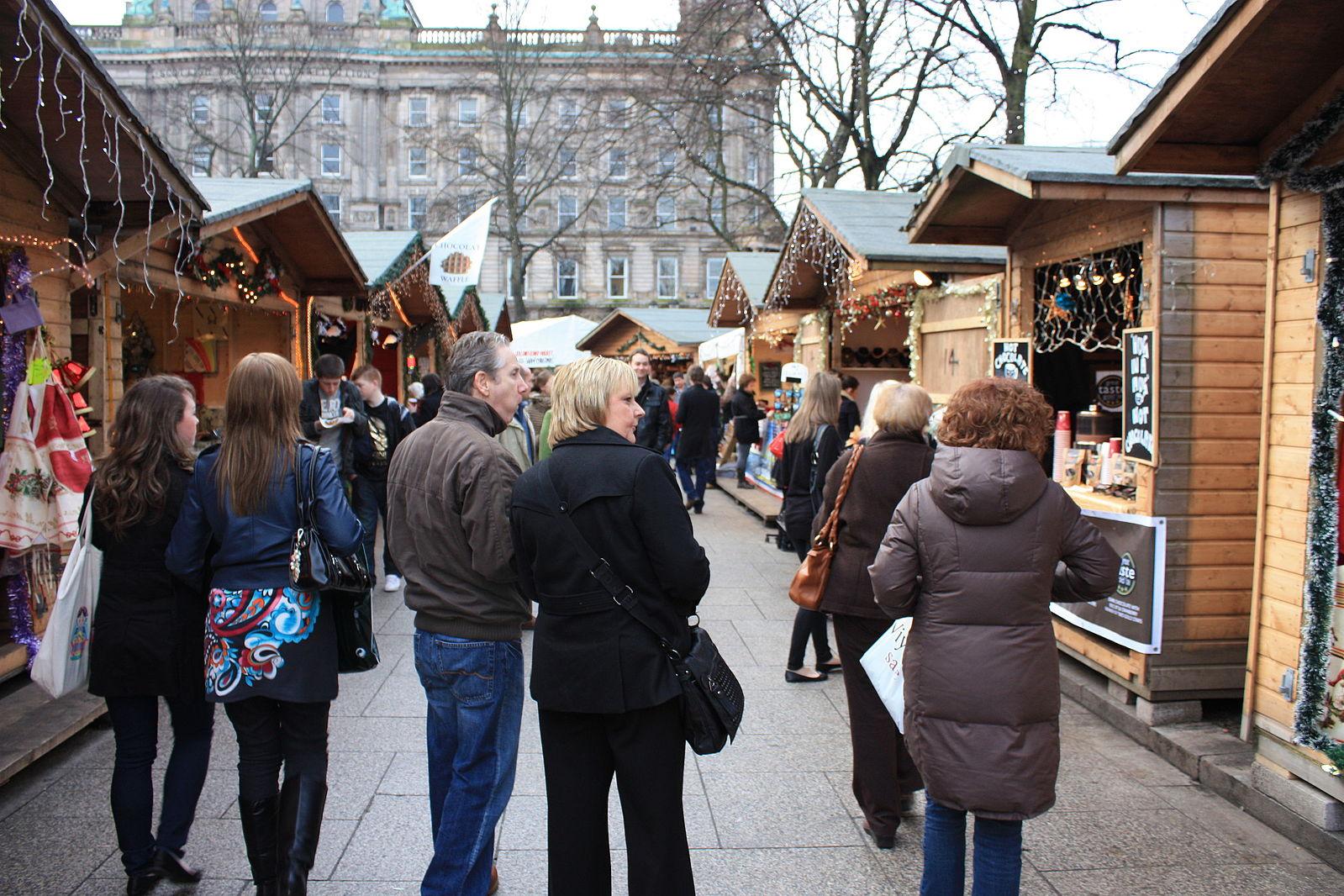 Belfast Christmas Continental Market | © Ardfern/ WikiCommons