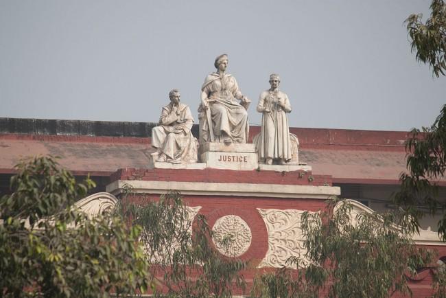 Sculptures on the Writers' | © BengaliHindu / WikiCommons