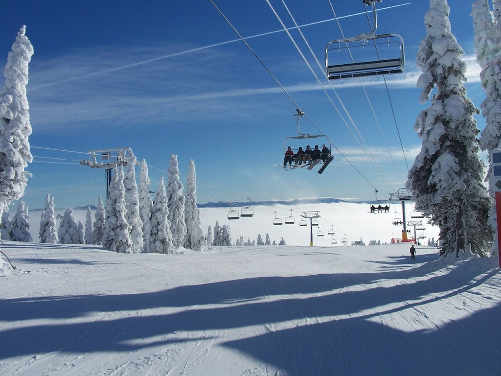 Big White Ski Resort is the third biggest resort in British Columbia | © Hamish / Flickr