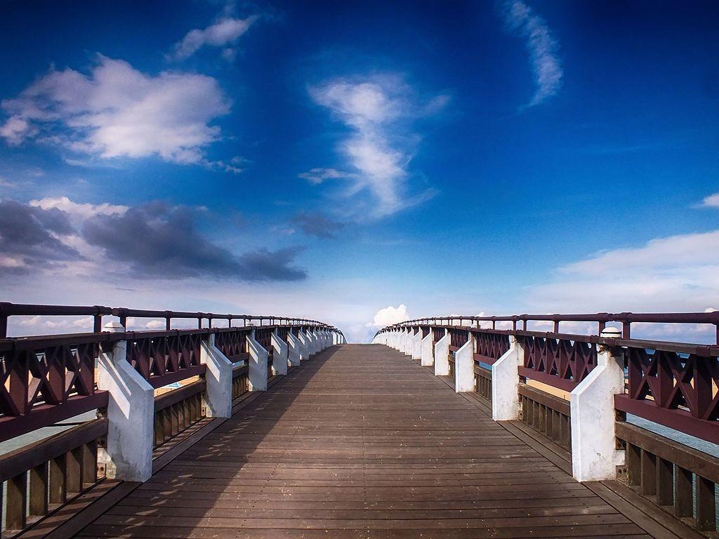 Bridge on Fulong Beach |© Любарский Сергей Николаевич / Wikimedia