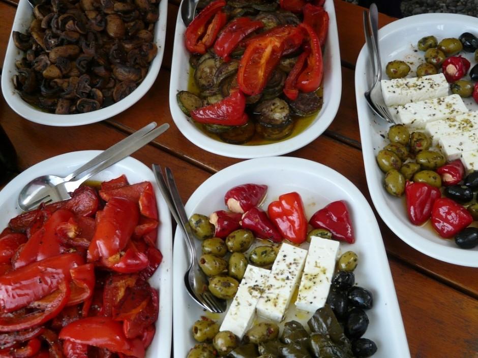Vegetarian buffet option   pixabay