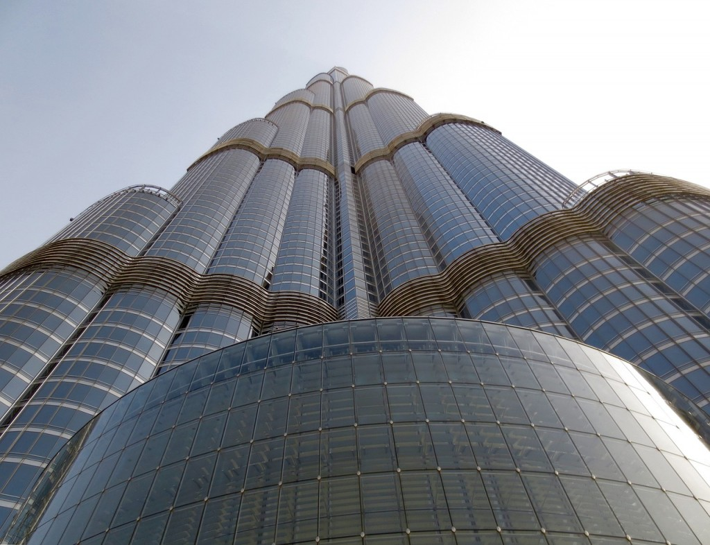 View of the Burj Khalifa from the ground | © Tindra Delastacia / Pixabay