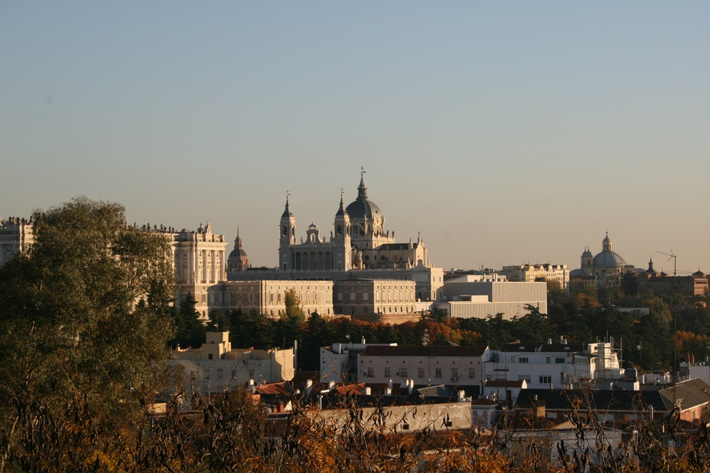A view of Madrid's cathedral | © Lori Zaino