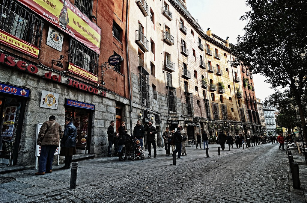 The Calle Cava Baja in Madrid | © Raul A.- / Flickr