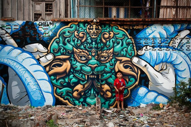 Theo Vallier and Chifumi's work in Phnom Penh © Cambodia Urban Art Festival 2015