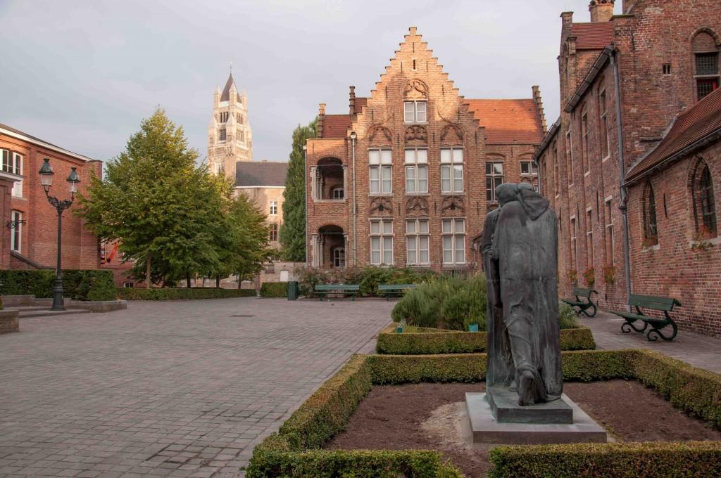 Courtyard Sint-Janshospitaal | © Kris Vlecken / Wikimedia Commons