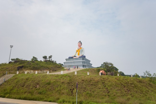 The female statue of Buddha found half way up Bokor Mountain © sunyawitphoto/ shutterstock