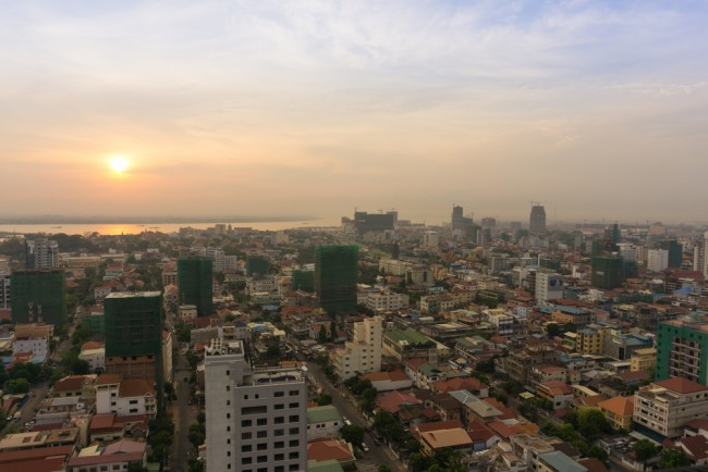 The glowing sky above the beat of Phnom Penh is a great spot to propose © getideaka/ Shutterstock.com
