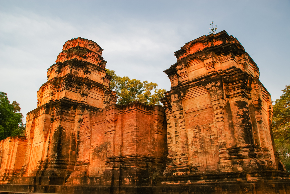 Prasat Kravan is a great place to lose the crowds. Copyright Shaozhi / Shutterstock. Inc