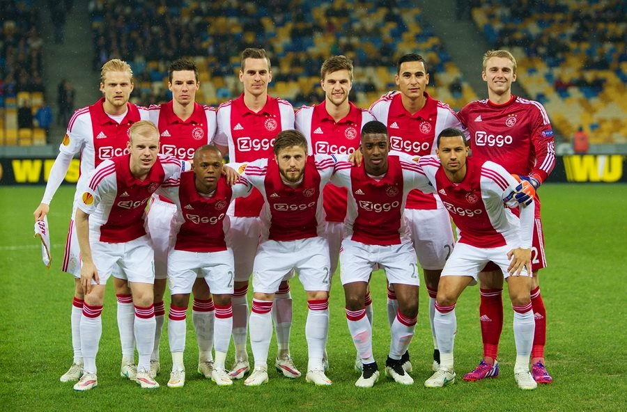 Ajax during a match in their home kit | © Илья Хохлов / WikiCommons