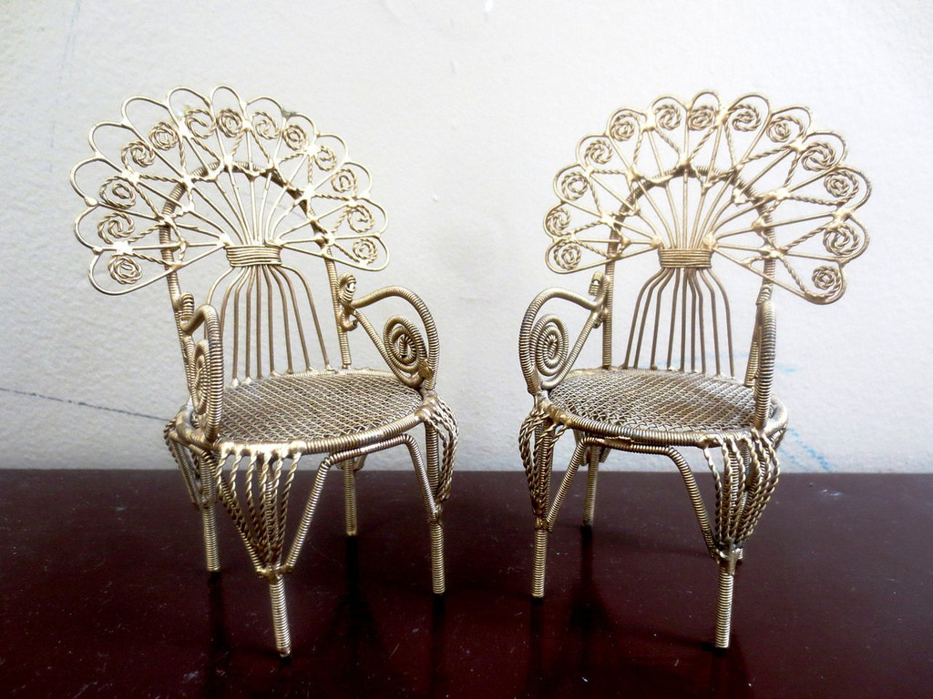 Some new chairs would be nice | © Wicker Paradise/Flickr